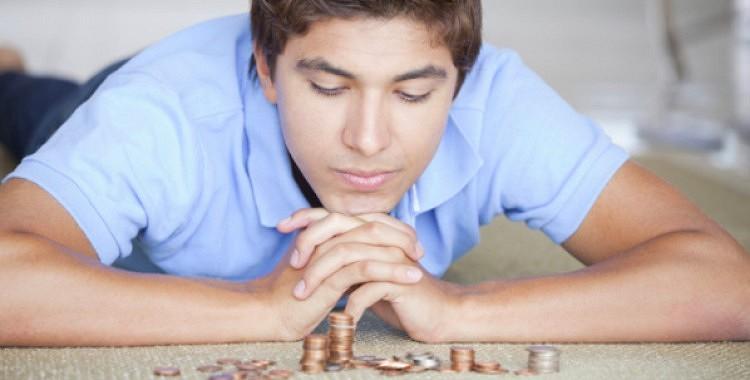 Vai pieaugušajam bērnam ir jādod nauda ģimenes vajadzībām?