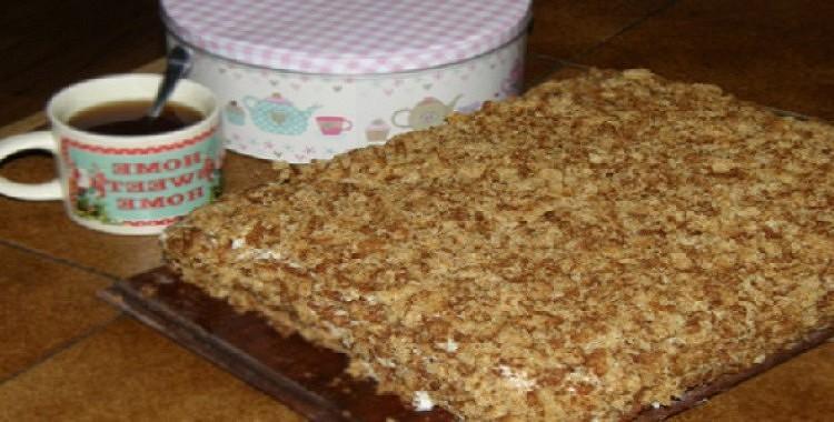 Torte ar iebiezināto pienu. Var pagatavot 30 minūtēs! Garšīgas tortes recepte – kusīs mutē, būs mīksta un maiga.