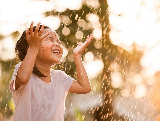 8 lietas, kas bērniem liek justies laimīgākiem un pilnīgākiem
