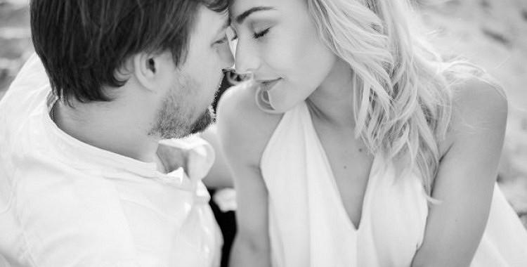 Jūs nevarat gaidīt to, ka jūsu partneris mainīsies un to nosaukt par patiesu mīlestību, patiesa mīlestība ir tad, kad jūs pieņemiet savu partneri