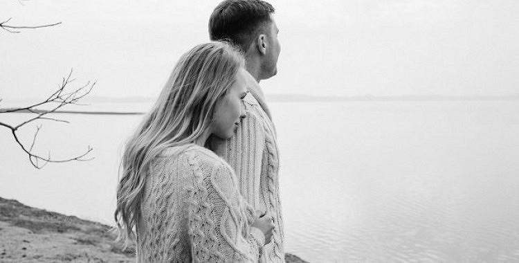 Spēcīgas attiecības rezultējas no partneru atklātas komunikācijas