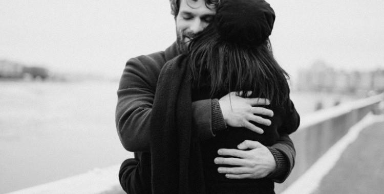 5 psiholoģiski paņēmieni,  lai vīrietis negribētu no jums aiziet