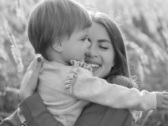 Es esmu stipra, jo mani ir audzinājusi māte, kas man iemācīja nekad nepadoties