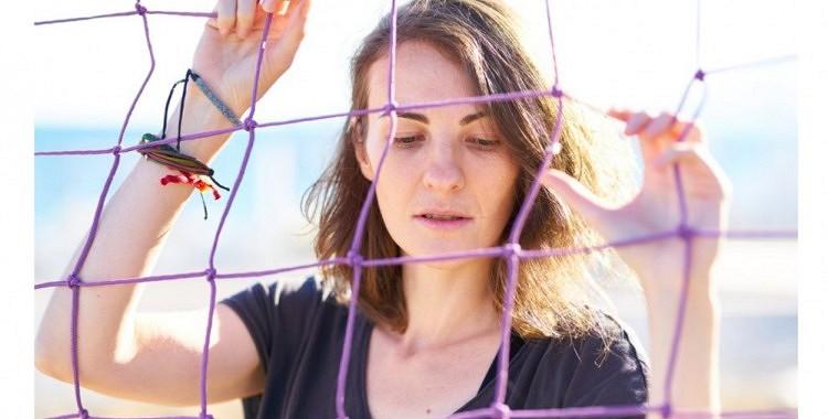 6 pazīmes, ka sieviete  kļūst trūcīga, kuras pamana visi