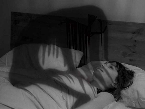 Kas jums jāzina par miega paralīzi