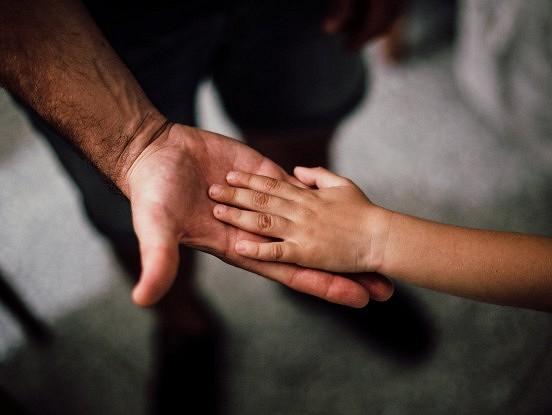 Nekad nelieciet saviem bērniem justies tā, it kā viņi jums kaut ko būtu parādā