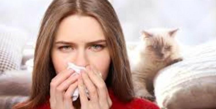 Ir nosaukta cilvēku kategorija, kas retāk saslimst ar COVID-19