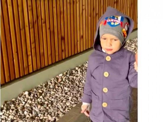Jaunākās ziņas par trīsgadīgo Bruno. Kā Bruno jūtas pēc operācijas
