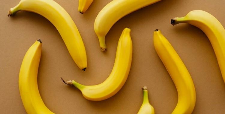 8 negaidīti veidi, kā izmantot banānu mizas