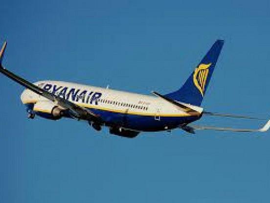 RYANAIR AKCIJA: Aviobiļetes vienā vīrzienā 4 eiro!
