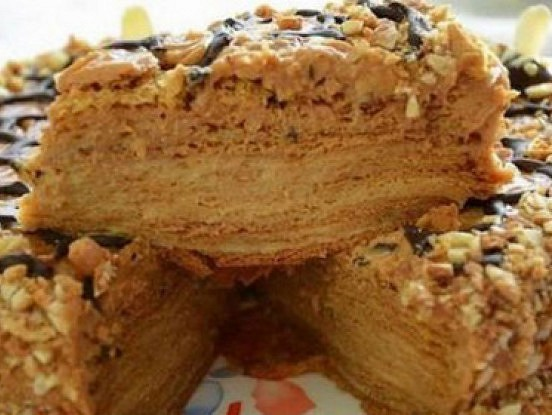 Maiga medus kūka ar vārīto krēmu. Neprātīgi garšīga!