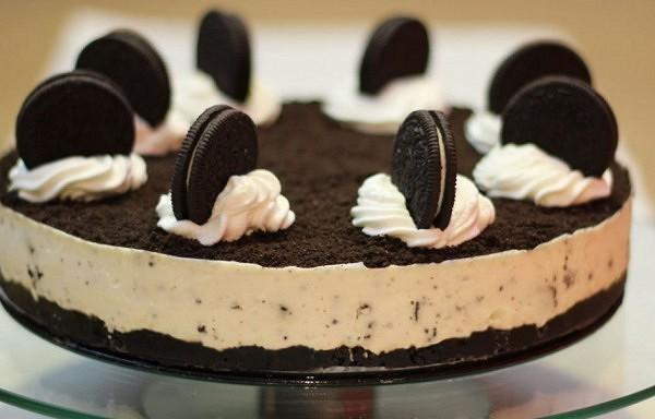 """""""Oreo"""" torte – ļoti garšīgs deserts bez cepšanas."""