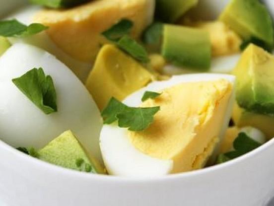 Sešpadsmit vislabākās brokastu receptes, kas palīdzēs jums samazināt svaru