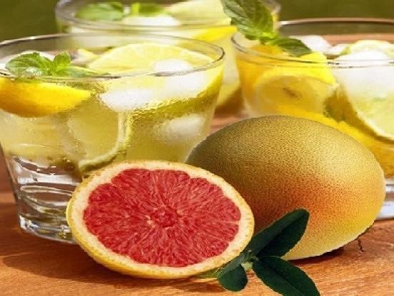 Spēcīgas iedarbības dzēriens, radīts, lai šķīdinātu taukus organismā
