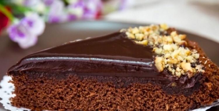"""Brīnumaini garda torte """"Džanduija"""" ar šokolādes pārlējumu"""