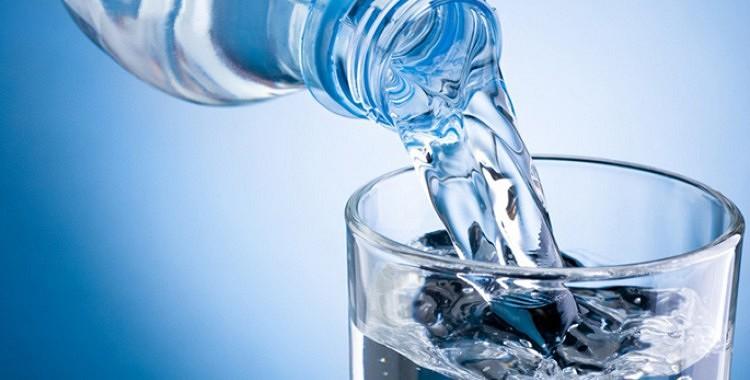 Astoņas pazīmes tam, ka dzerat par maz ūdens