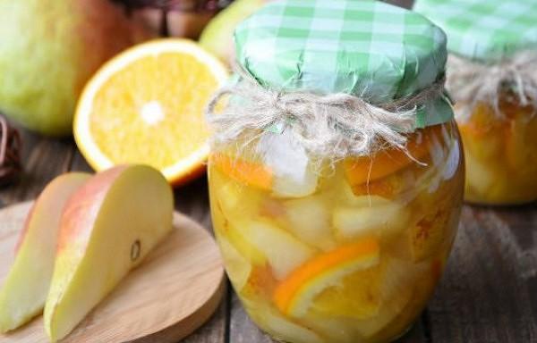 Aromātisks bumbieru – apelsīnu ievārījums. Katru gadu cenšos pagatavot vismaz dažas burciņas.