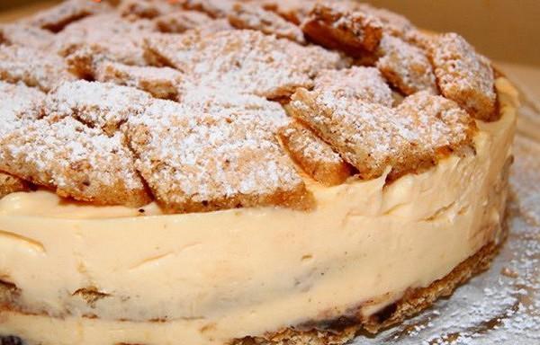 Torte ar riekstiem un citronu krēmu