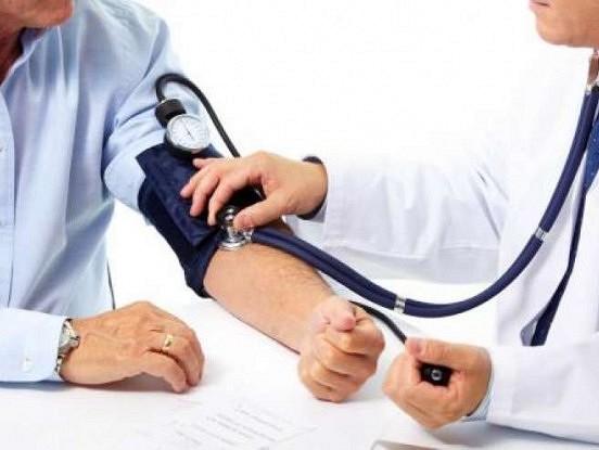 Pieci vienkārši asinsspiediena pazemināšanas paņēmieni
