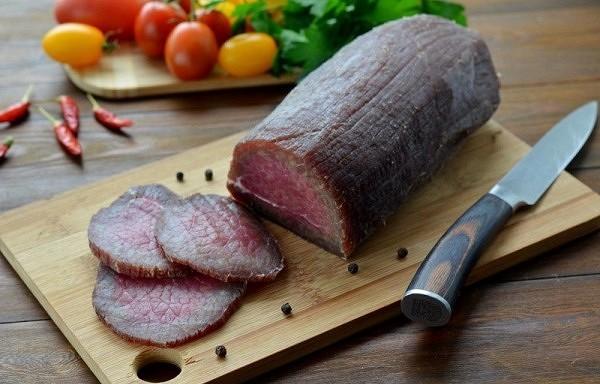 Vītināta liellopa gaļa mājas gaumē