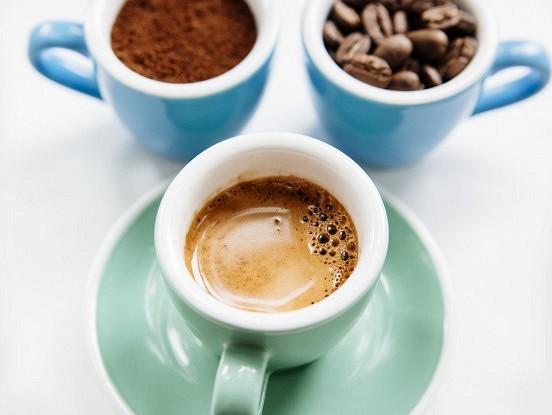 Septiņi dzērieni, kuri var aizstāt kafiju